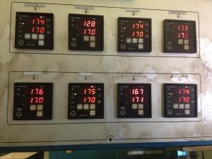 bộ điều khiển nhiệt độ 6490